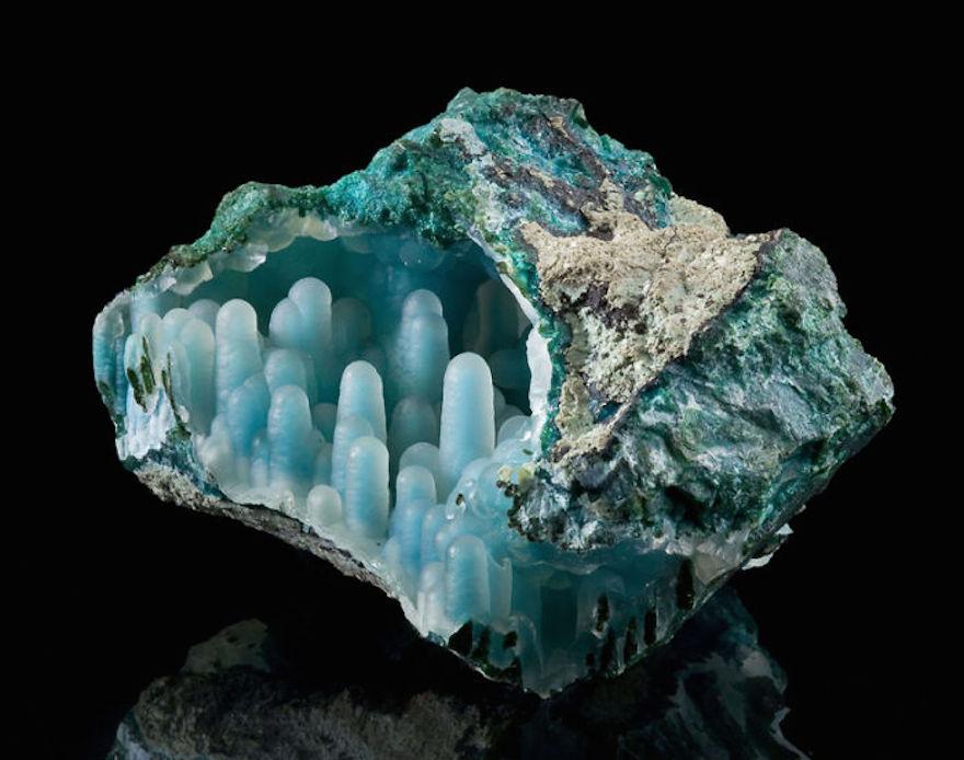 amazing-stones-minerals-23__700