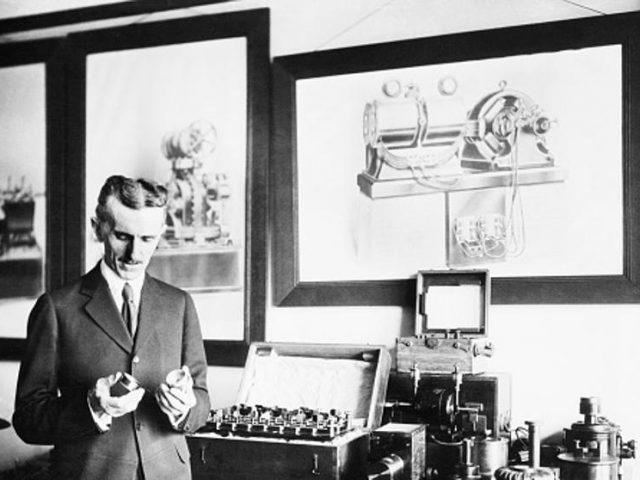 Nikola Tesla va descriure els smartphones l'any 1926