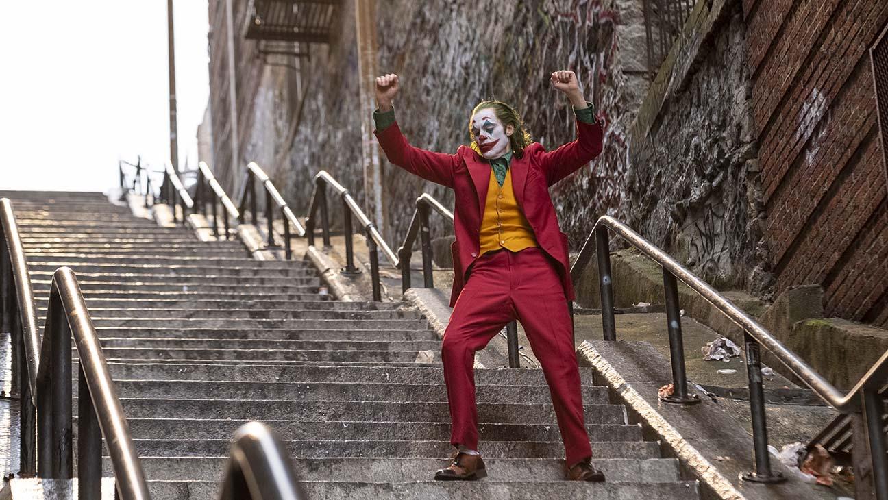 Joker ballant a les escales del Bronx